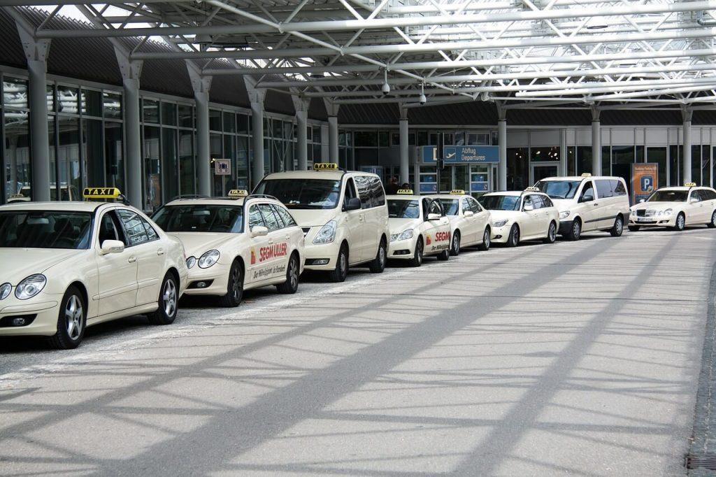 taxi na lotnisko Warszawa