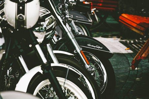 Sprzęt dla motocyklisty w dobrych sklepach